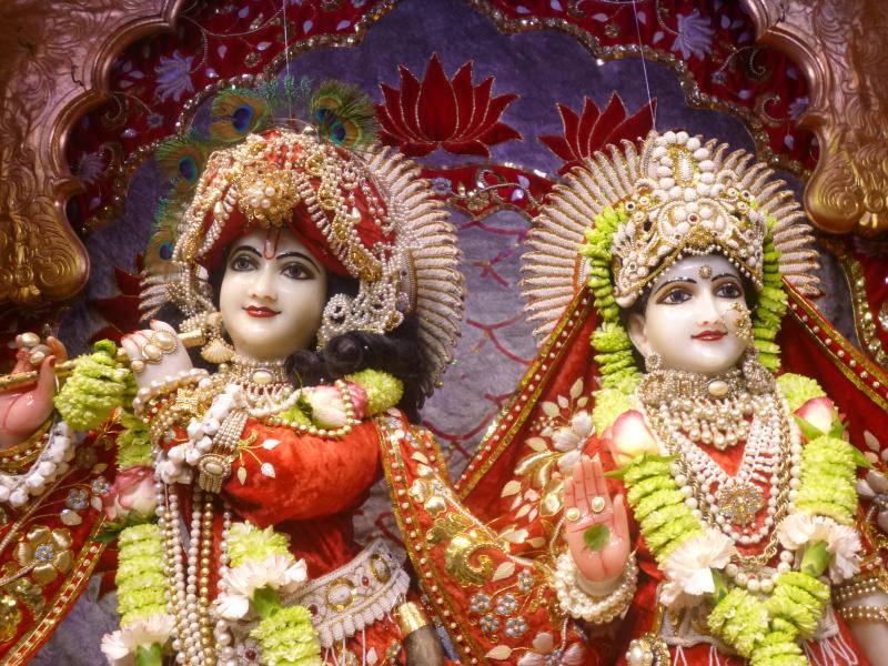 ISKCON Bhaktivedanta Manor Deity Darshan 18 Dec 2015 (11)