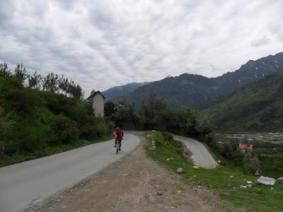 Manali to Kothi cycling - Sandeep