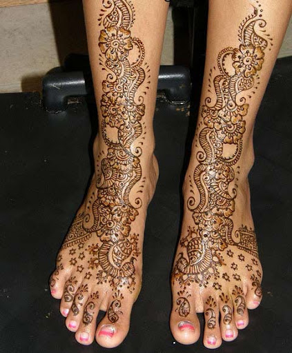mehandi designs for foot