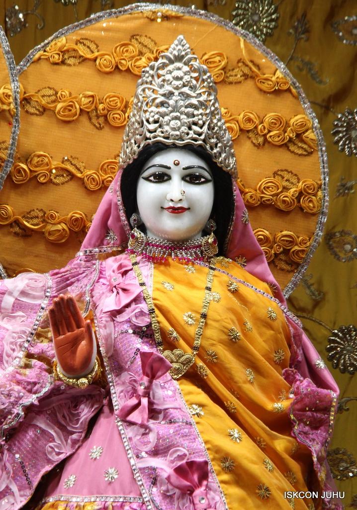 ISKCON Juhu Mangal Deity Darshan on 30th Dec 2016 (19)