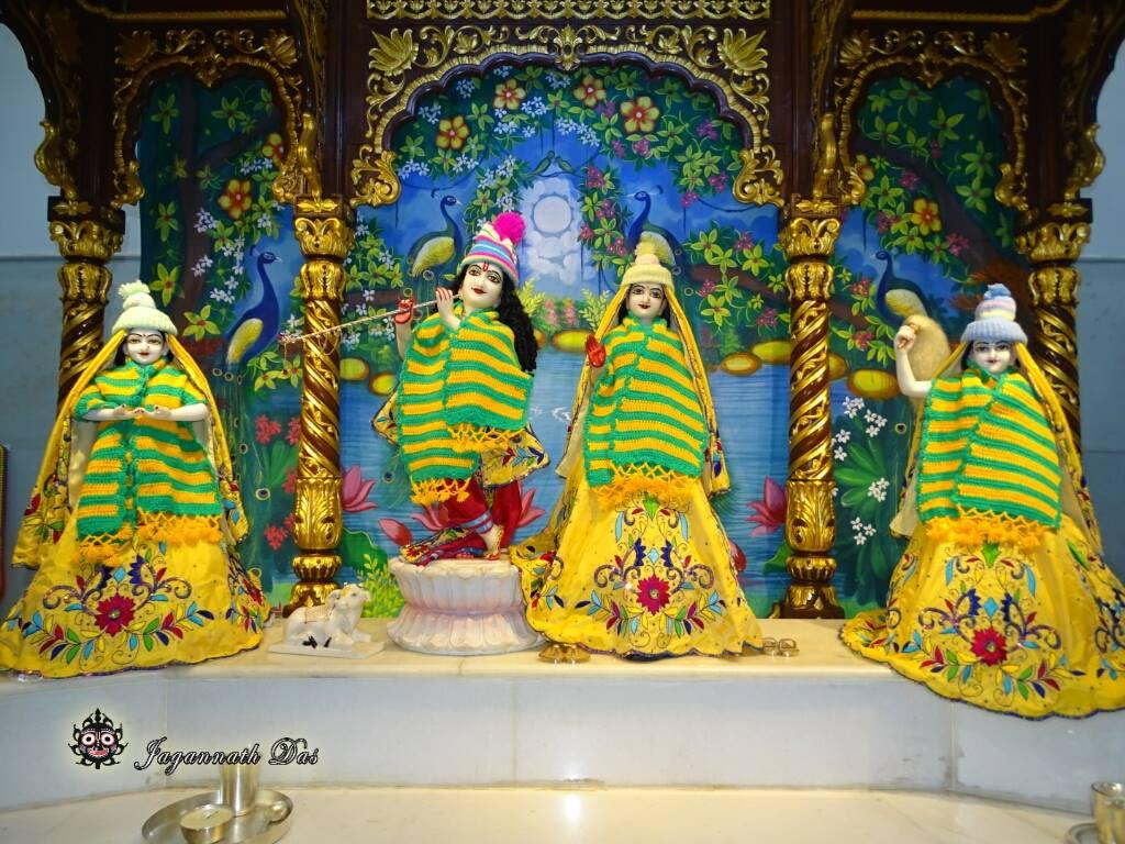 ISKCON Mira Road Mangal Deity Darshan 02 Feb 2016 (6)