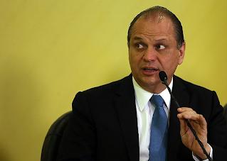 Relação de Bolsoanro azeda com Centrão no caso Covaxin