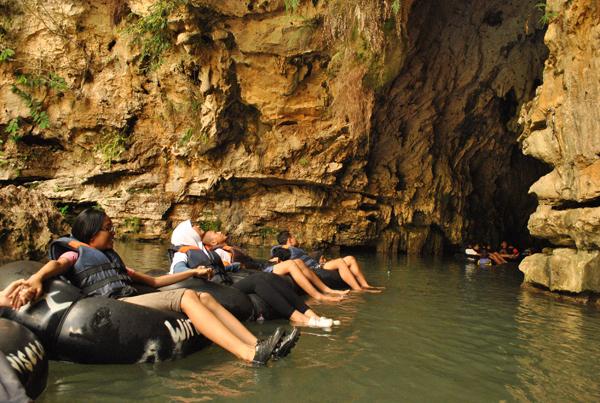 cave tubing goa pindul tour 2016, open trip 2016, open trip surabaya jogja 2016, tour surabaya jogja 2016