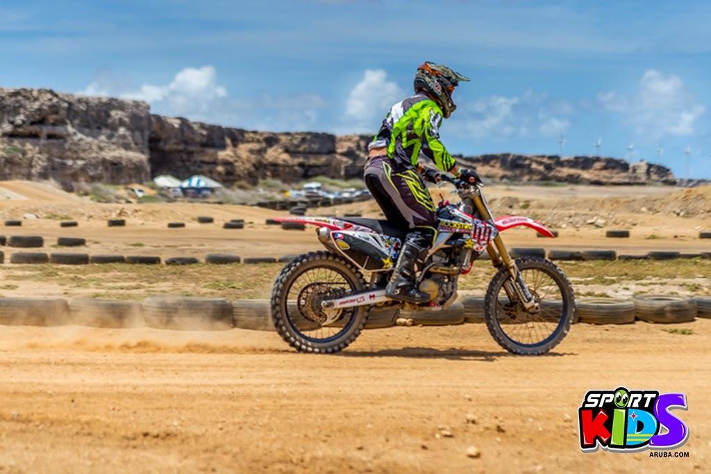 extreme motorcross Aruba - moto%2Bcross%2BGrape%2Bfiled%2BApril%2B2015-3.jpg