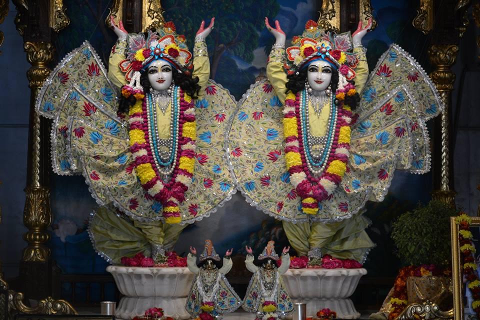 ISKCON Ujjain Deity Darshan 06 Jan 2017 (6)