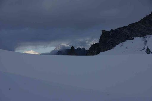 Le mont Blanc et le grand Combin, photographiés peu avant le col de l'Évêque