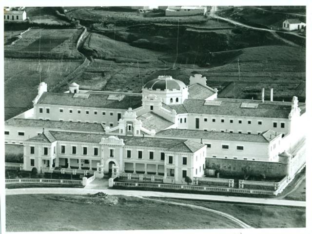 Panorámica de la Antigua Prisión Provincial, 1960. Imagen cortesía de Alberto Martí