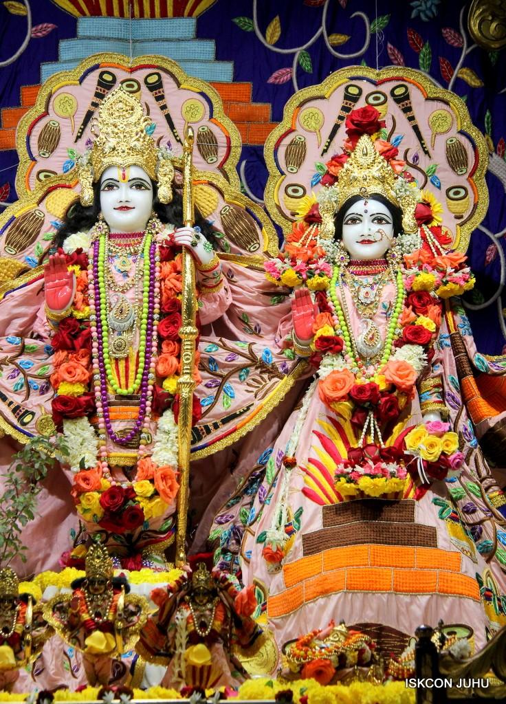 ISKCON Juhu Sringar Deity Darshan 10 Jan 2017 (51)