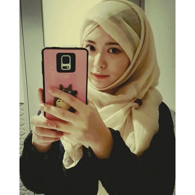 awek korea comel masuk islam.jpg