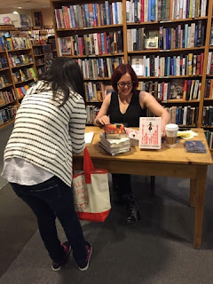 Talking to Victoria Schwab :D