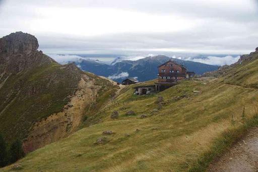 Refuge de Rotwand du club alpin italien.