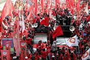 Jokowi Teken UU Cipta Kerja, Ini Aturan Jam Kerja dan Hak Cuti