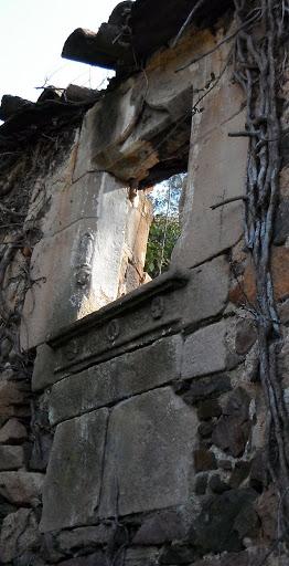 Finestra conopial de can Sidró
