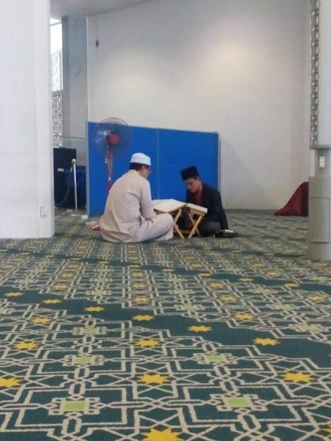 MB Selangor Bertadarus di Masjid Tadi