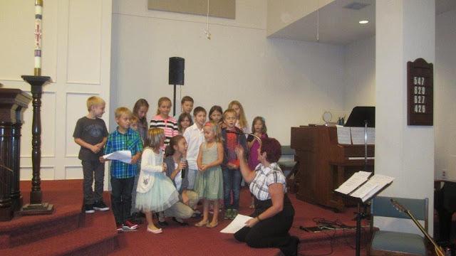 Pierwsza msza sw. z dziecmi ks.Wieslaw Berdowicz - zdjecia E. Gurtler-Krawczynska  - IMG_8287.jpg