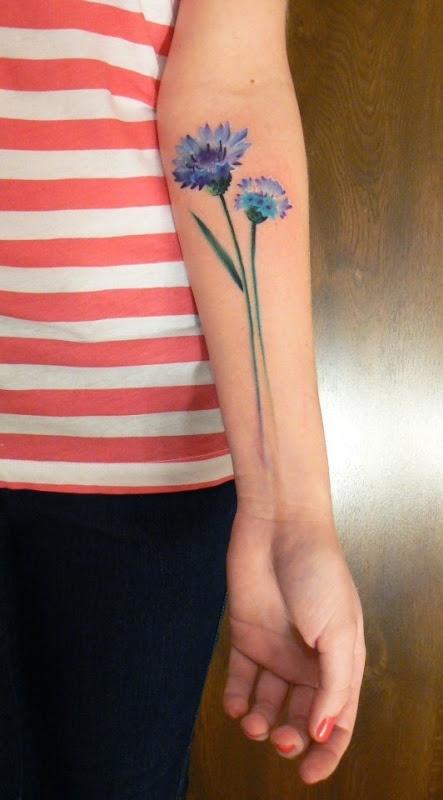 adorveis_flores_azuis_tatuagem