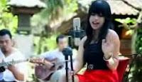 Lirik Lagu Bali Dewi Carangsari - Mandat (Mantan Dadi Tunangan)