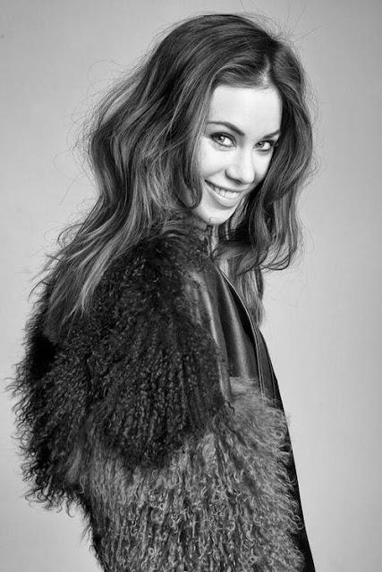 Roxanne McKee Profile Pics Dp Images