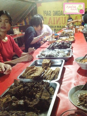 maniak-makan-soto-kwali-daging-sapi-karunia-tk-kristen-kalam-kudus-solo-lauk-tambahan