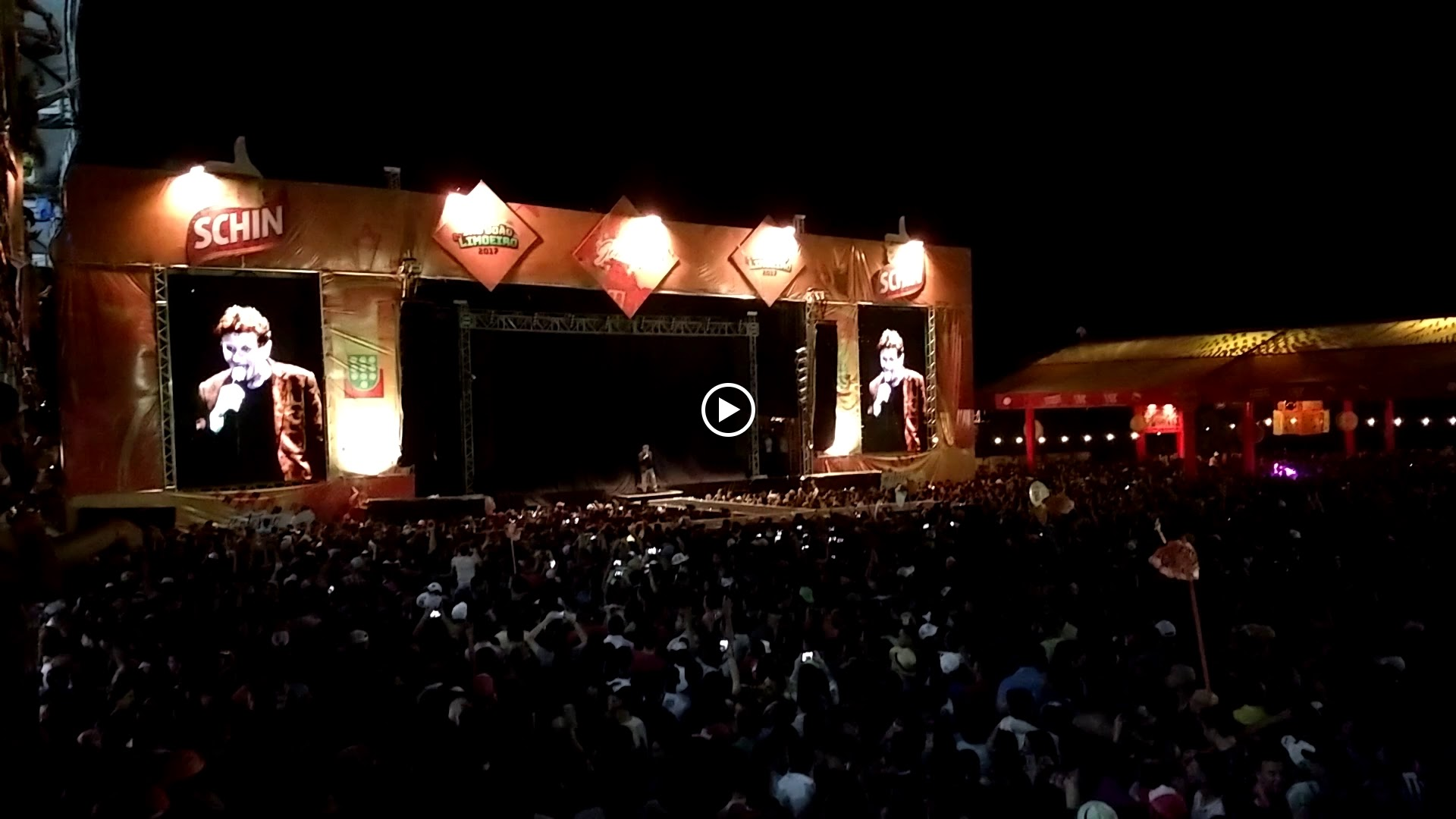 Veja como foi o show de Marília Mendonça no São João de Limoeiro 2017