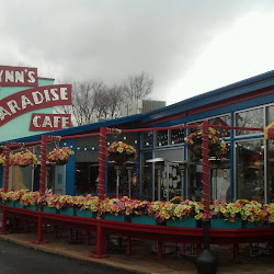 Lynn's Paradise Cafe's profile photo