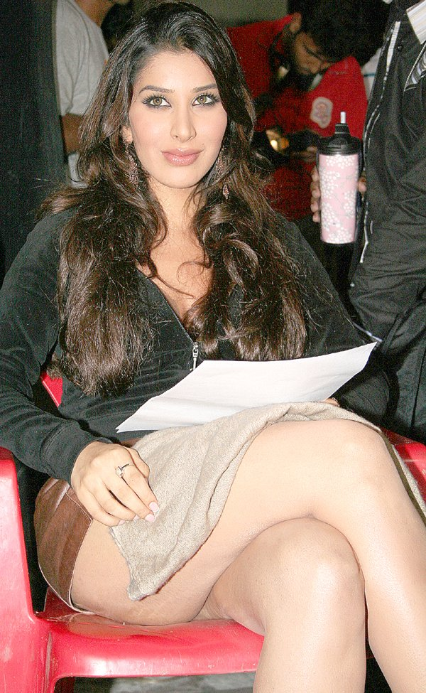 Sophie Choudry - indian hot actress Latest:hot,actress,picasa0