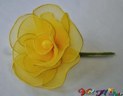 Cách hoa hồng vàng từ vải voan (bước 9)