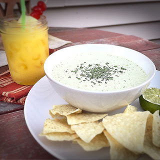 Cindy's {Healthified} #Copycat #Chuy's Jalapeno Ranch Dip