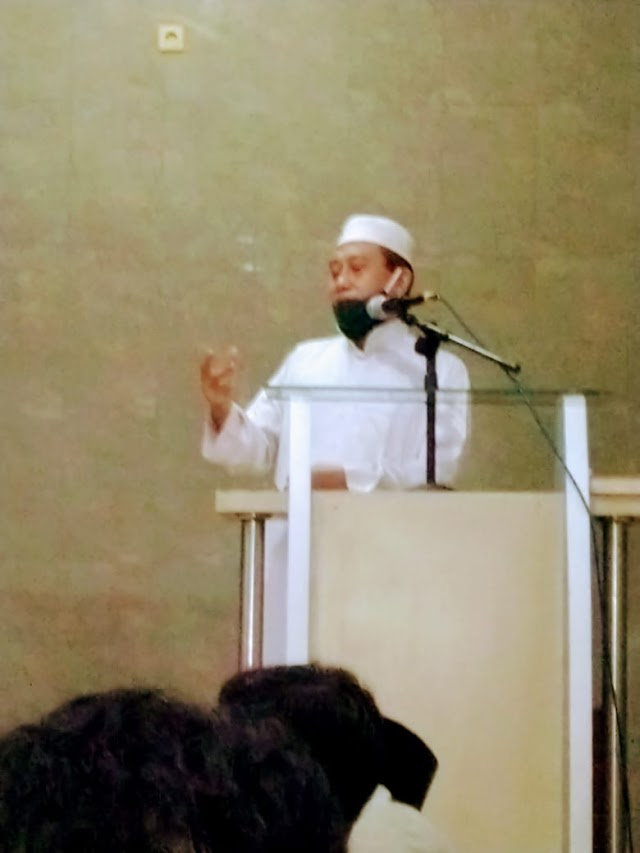 Khutbah di Baitul Mahmud: KEUNTUNGAN ORANG BERIMAN DI DUNIA