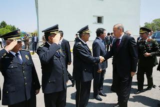 Erdogan somme les Occidentaux de se «mêler de leurs affaires»