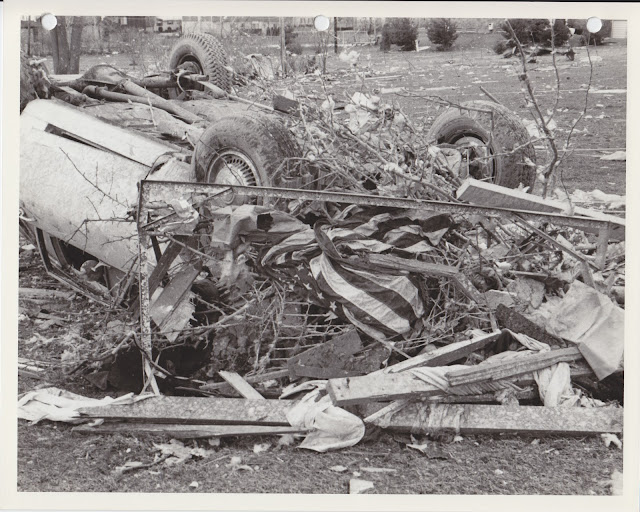 1976 Tornado photos collection - 8.tif