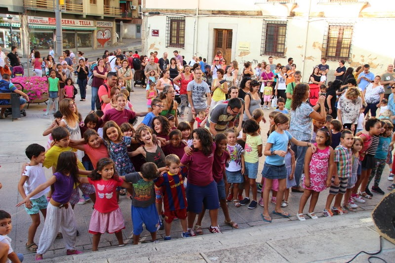 Festa infantil i taller balls tradicionals a Sant Llorenç  20-09-14 - IMG_4283.jpg