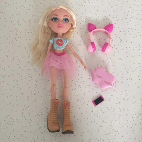 bratz remix doll cloe