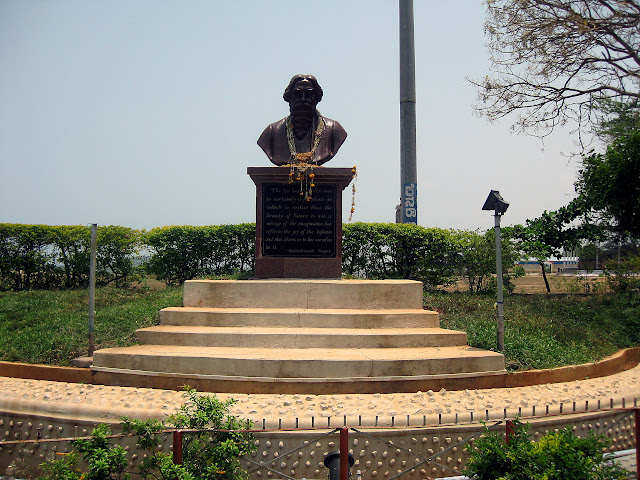 statue of Rabindranath Tagore in Karwar Beach