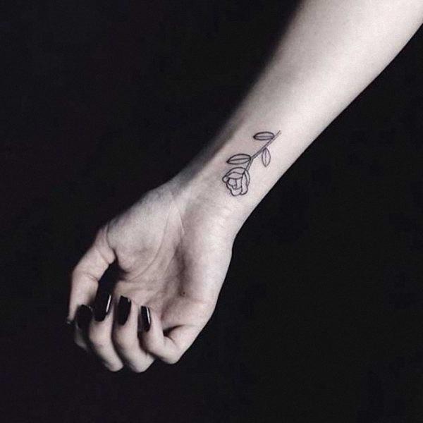 esta_pequena_rose_tattoo