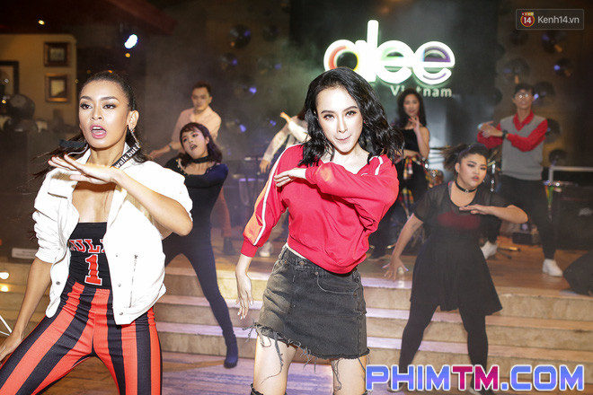Clip: Màn khoe vũ đạo của Glee Việt nhận nhiều ý kiến trái chiều sau ngày ra mắt - Ảnh 2.