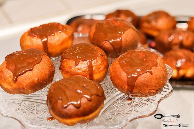 ciasta i desery,tłusty czwartek 2021,pączki z dżemem, pączki z konfiturą, domowe pączki,prosty przepis na pączki,smażone pączki,szybki przepis na pączki,
