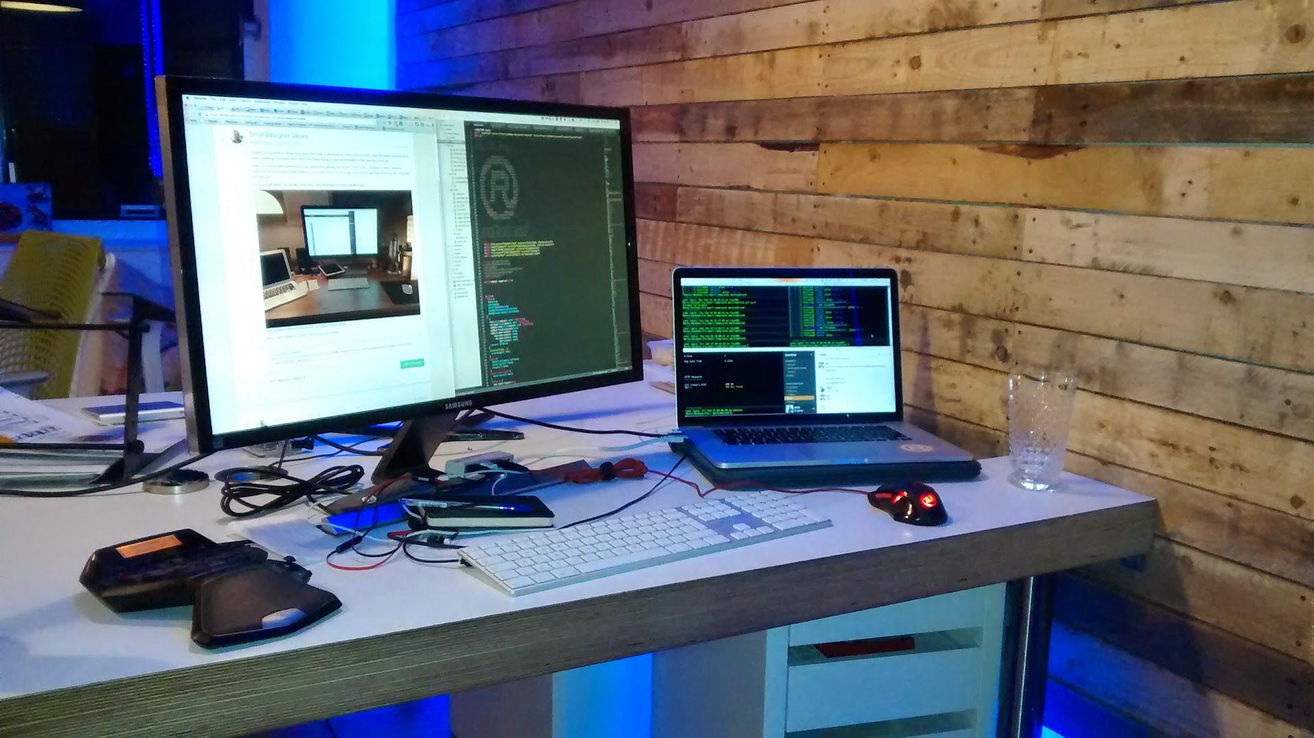 Mark desk