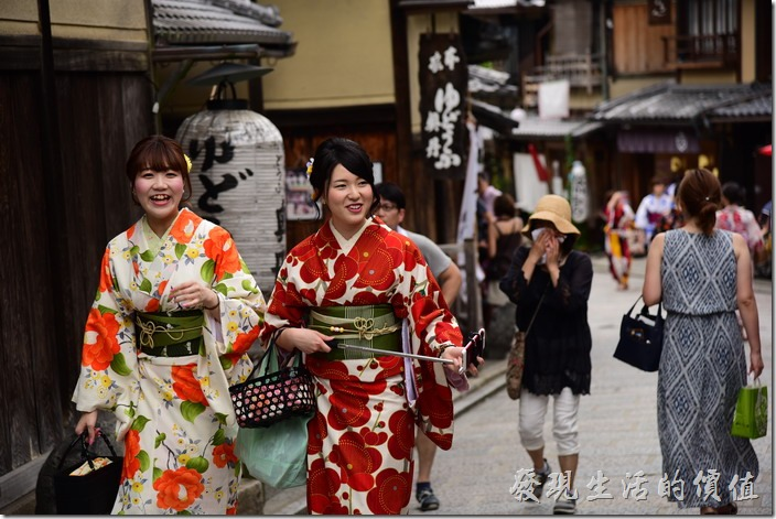 來清水寺的二年坂、三年坂、清水坂逛街,欣賞美女也是目的之一。