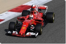 Sebastian Vettel nelle prove libere del gran premio del Bahrain 2017
