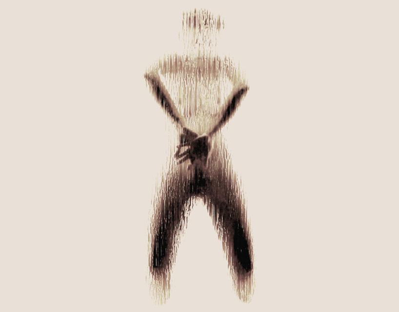 *女性裸體字母剪影:希臘藝術家Anastasia Mastrakouli 解剖人體視覺奧秘! 25