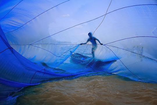 Pescador en Bangladesh