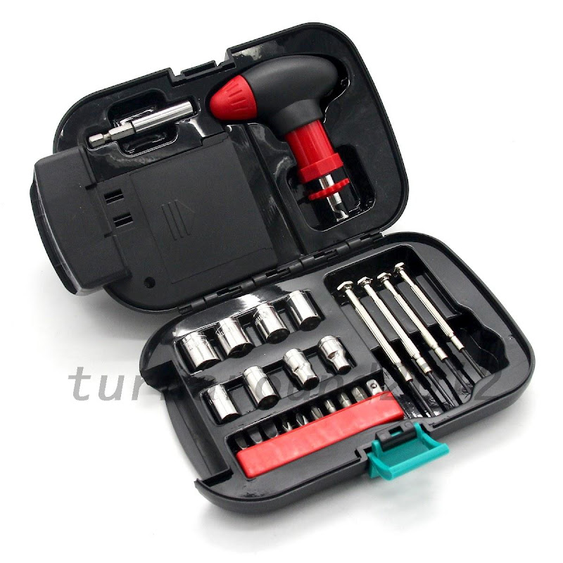 24pcs set auto emergency car repair tool kit with spot light screwdriver set ebay. Black Bedroom Furniture Sets. Home Design Ideas