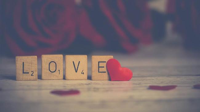 Khi tình yêu hiện diện