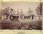 A budapesti állatkert régi főkapuja. A felvétel 1890 után készült. (Fotó: Fortepan / Budapest Főváros Levéltára. Levéltári jelzet: HU.BFL.XV.19.d.1.07.107)