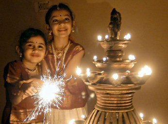 essay on diwali festival of india Importance of festival essay on diwali for children and students diwali essay – 1 (200 words) diwali is the most significant and famous festival of the india which is being celebrated every.