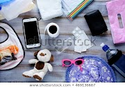 5 Barang yang Harus Standby di Tas Seorang Ibu