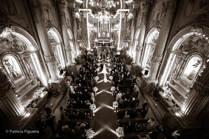 Foto de casamento 0786pb de Ana e Joao. Marcações: 29/10/2011, Casamento Ana e Joao, Igreja, Igreja Sao Francisco de Paula, Rio de Janeiro.