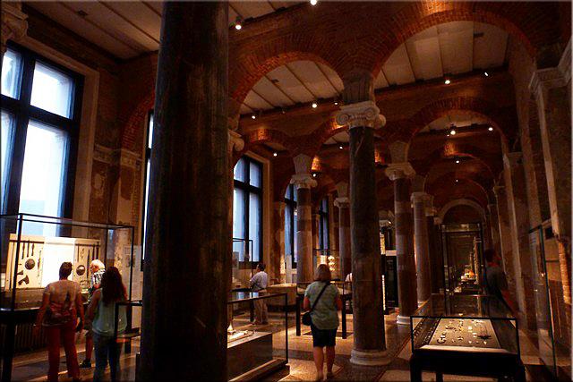 Interior de Neues Museum - Berlín'15