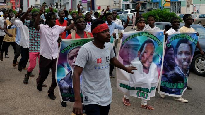 BREAKING!!! Shi'ites bury members killed by Nigerian police